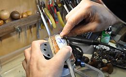 handgraveren van sieraden en kunstvoorwerpen